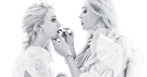 - elle fanning and dakota fanning Sister Act The fabulous Fannings—Dakota and