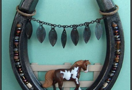 Crafts made from horseshoes post your arts and crafts for Horseshoe crafts for sale