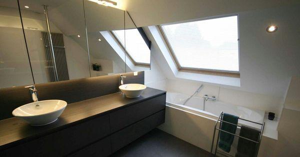 Bad onder schuine wand badkamer ideen pinterest - Tub onder dak ...