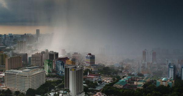 lluvia sobre Singapur. Esta foto fue publicada en la página de Facebook