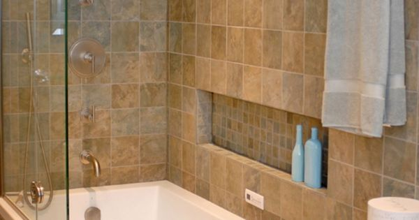 5 Phenomenal Bathroom Tile Combinations: Modern Tub Shower Combinations: Traditional Bathroom Tile