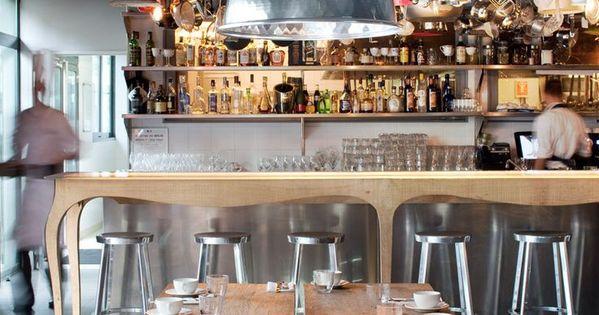 le mama shelter bar restaurant 109 rue de bagnolet. Black Bedroom Furniture Sets. Home Design Ideas