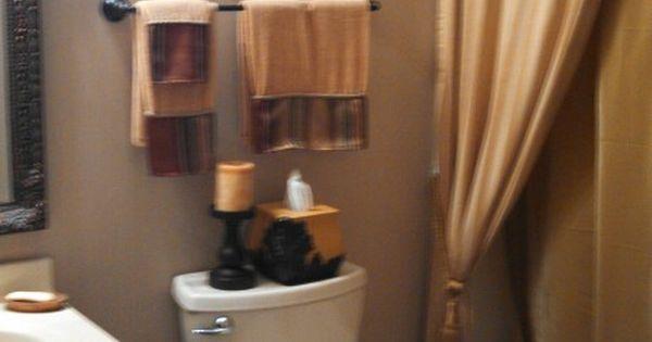Tuscan Bathroom Colors: Small Tuscan Bathroom.