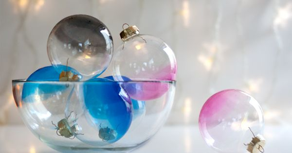 DIY Ombre Ornaments ny ambrosiagirl: Beautifully dip dyed! DIY Ombre_Ornaments by coolnana