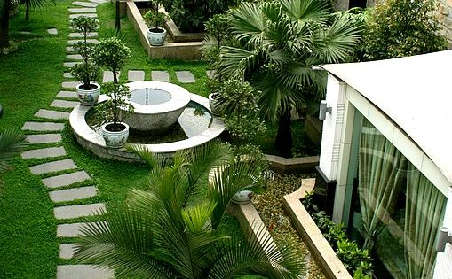 Roof top garden. What an amazing use of space.