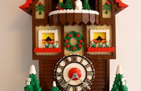 LEGO Cuckoo Clock~! AWESOME!!!!!