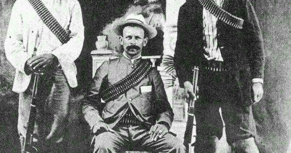 El torbellinesco y atrabiliario general rodolfo fierro en for Azulejos zapata en el algar