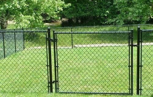 Black Vinyl Chain Link Fence Chainlink Topnotchfence Backyard Fences Modern Fence Black Chain Link Fence