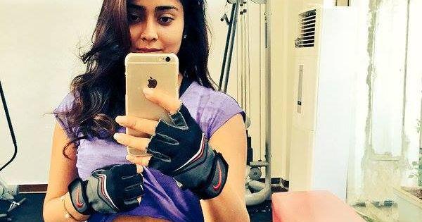 Shriya Saran Gym: Shriya Saran Showing Her Workout Body. #Bollywood #Fashion