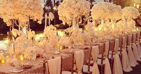 CHAIR COVER such a beautiful long wedding table design: gold and ivory
