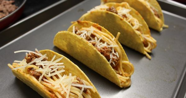 I Made Spaghetti Tacos From Icarly And The Nostalgia Was Real Recipe Taco Spaghetti Food Tacos