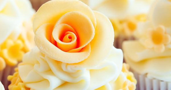 yellow rose cupcakes, Wedding Cupcakes