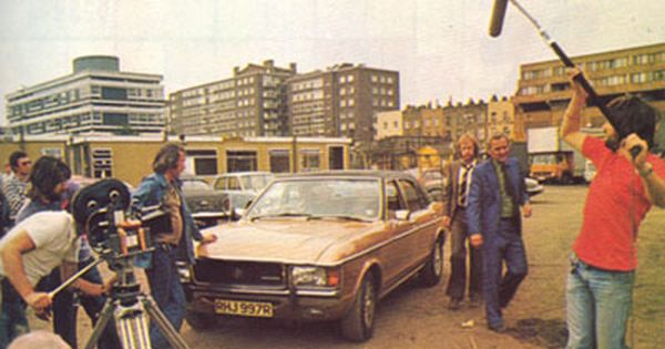 Filming Of The Sweeney Drag Act Series 3 The Sweeney British Police Cars Classic Cars British