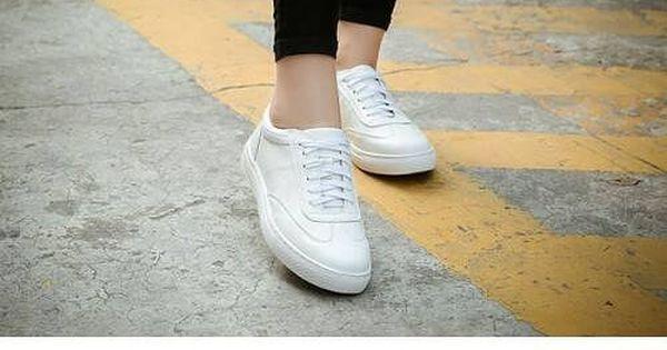 سنيكرز بناتي عصري احذية نسائية بنات الجامعة جزمات جزم فاشون ستايل كاجوال Vans Authentic Sneaker Superga Sneaker Vans Sneaker