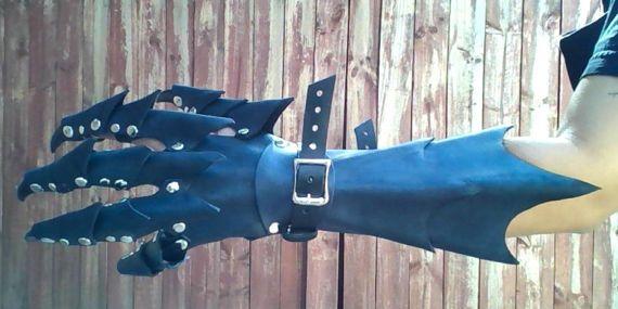 Cheaper come acquistare design raffinato Claw Gloves Dragon Claw Guantlets Leather Armor Claws PAIR ...
