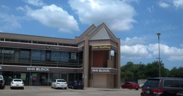 Mac Arther Shopping Center Dallas Tx Standing Seam Metal Houstonroofing Dallasroofing Fsrservices Commercial Roofing Roofing Roofing Contractors