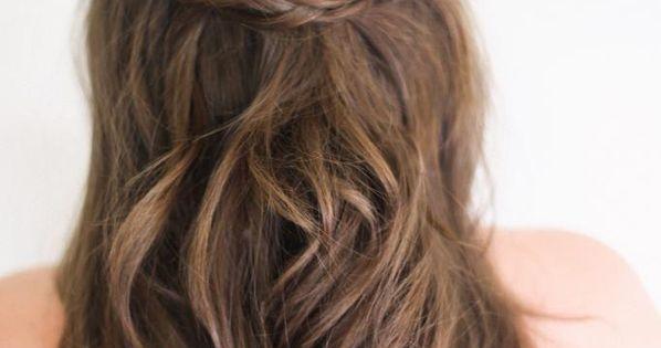 10 coiffures pour le bal des finissants coup de pouce. Black Bedroom Furniture Sets. Home Design Ideas