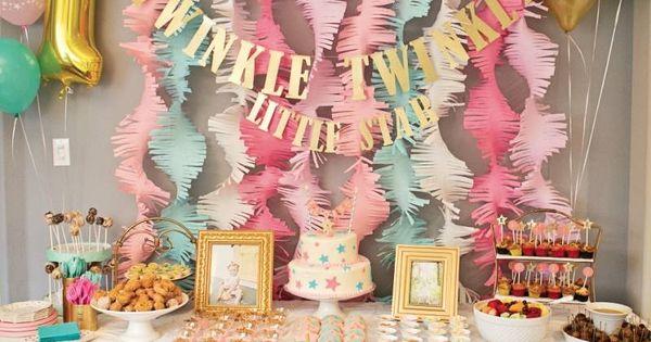 stilvolle girlande aus papier basteln kindergeburtstag feiern feste pinterest. Black Bedroom Furniture Sets. Home Design Ideas