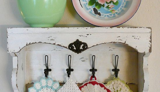 Ways to Display Vintage Pot Holders