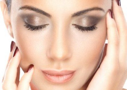 Beautiful eye makeup ~ via Ellisons