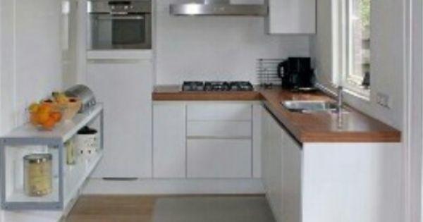 hout en wit kleine keuken white small kitchen keukens pinterest kleine keukens en keukens. Black Bedroom Furniture Sets. Home Design Ideas