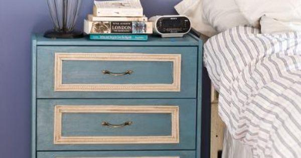 Pin de efter stormen en rast hack ikea pinterest - Ikea mesitas de noche y comodas ...