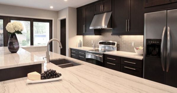 contemporary kitchen design with espresso stained kitchen cabinets & kitchen island, white