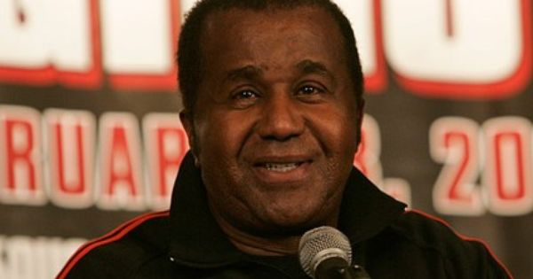 Emanuel Steward Famed Boxing Trainer Dies At 68 Steward Boxing Trainers Rest In Peace