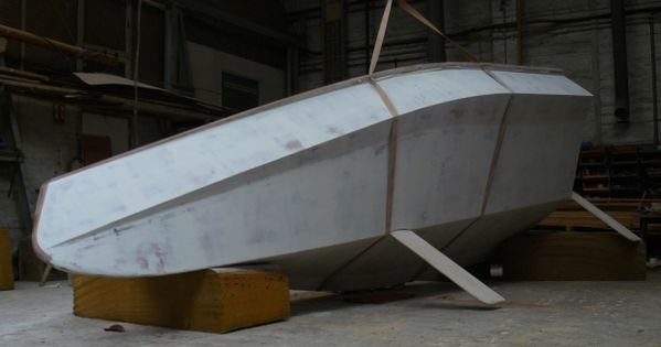 universal hull developed by warwick collins - Google ...