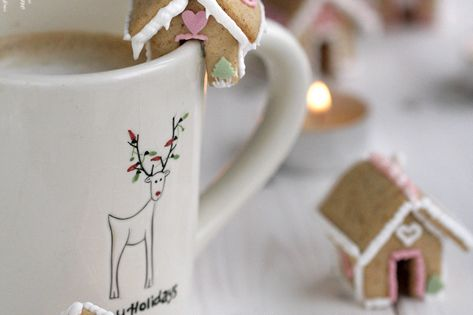 Please stop with the cuteness. Bite size gingerbread houses