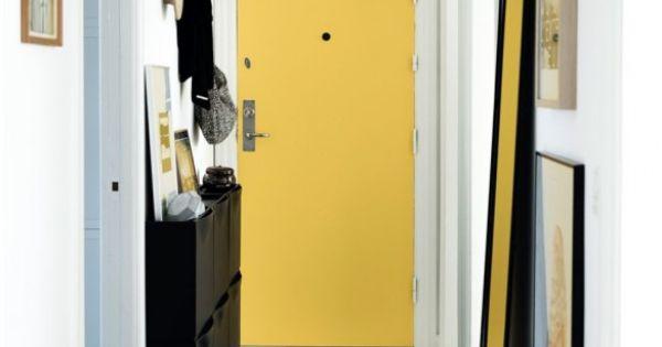 bien choisir sa porte d 39 entr e appartements jaune et. Black Bedroom Furniture Sets. Home Design Ideas