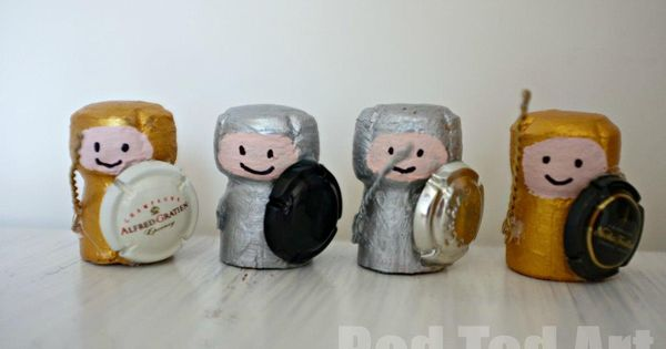 cork crafts knights peinture dor e bouchon de. Black Bedroom Furniture Sets. Home Design Ideas