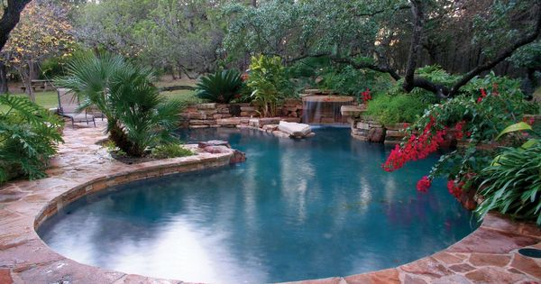 Custom Swimming Pool Design And Luxury Pools Master Pools Guild Custom Swimming Pool Residential Pool Pool Water Features