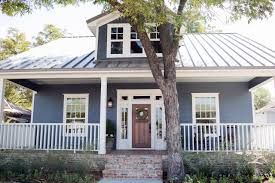 Image Result For Before And After Pictures Restoring 100 Year Old Craftsman Home Exterior Paint Colors For House Craftsman House Exterior House Colors