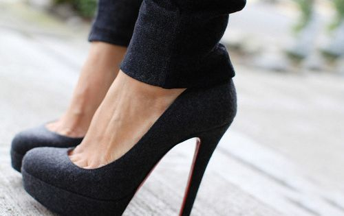Love, simple black shoe!