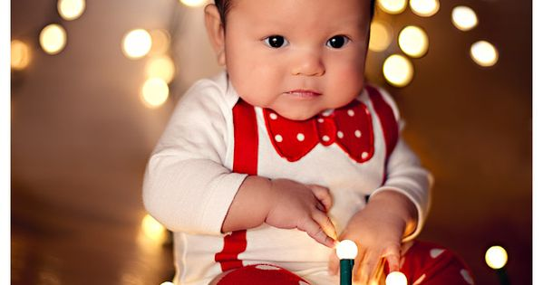 Christmas card photo ideas. Love a baby with christmas lights