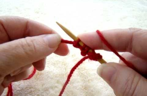 Knitting Kfbf : Making a channel island cast on using the english thumb
