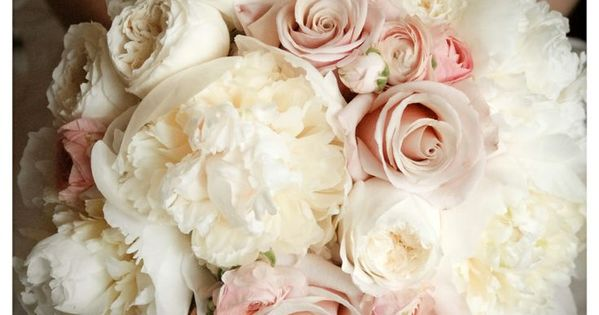 Wedding Bouquets | White garden roses, mother of pearl roses and blush