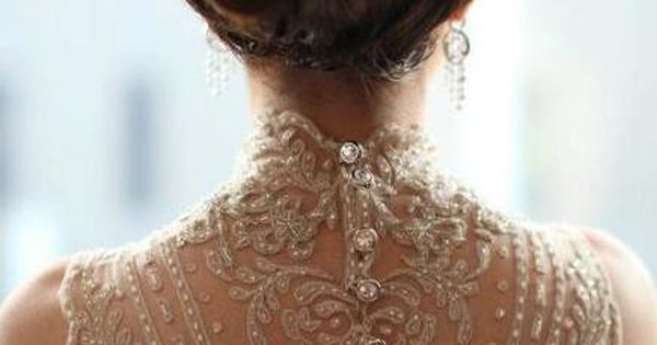 Gorgeous lace back wedding dresss