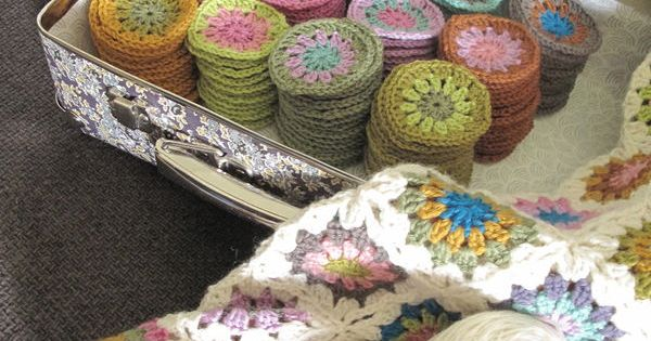 Crochet circle granny squares