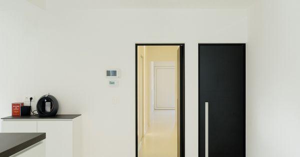 porte int rieure noir de anyway doors avec des poign es encastr es doors pinterest portes. Black Bedroom Furniture Sets. Home Design Ideas