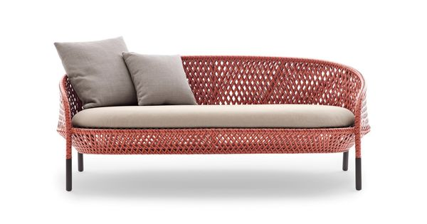Ahnda A Classic Iconic And Luxurious Lounger In Alluring Vibrancy Vintage Wicker Furniture Wicker Furniture Cushions Outdoor Sofa