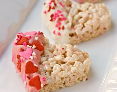 these Valentine's Dipped Rice Krispies Treats look awesome! I love that they