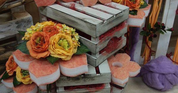Composizioni con cassette in legno e fiori di spugna for Gli alberelli prezzi