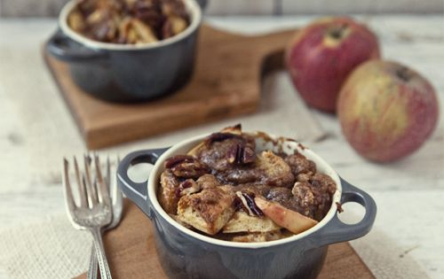 Apple Pie French Toast Bake Recipe via FoodforMyFamily.com - a Great breakfast