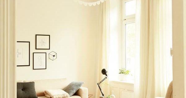 Farbgestaltung Wohnzimmer Altbau : Wohnzimmer: Couch, Decke, Streifen ...
