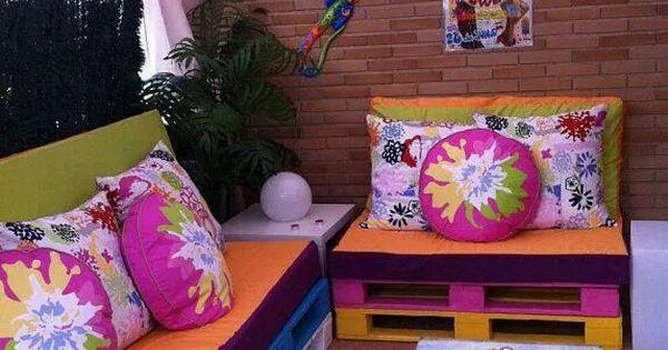 Muebles y mesa hechas de paletas reciclar paletas y for Muebles de paletas recicladas