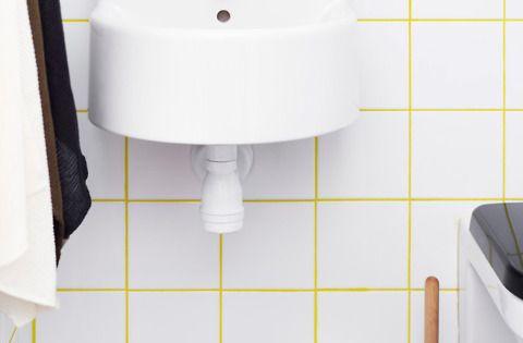 Du carrelage blanc dans la salle de bain c 39 est zen - Joint carrelage salle de bain etanche ...