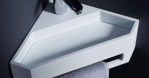 Lave mains d 39 angle pour wc en solid surface wc for Toilette petite surface