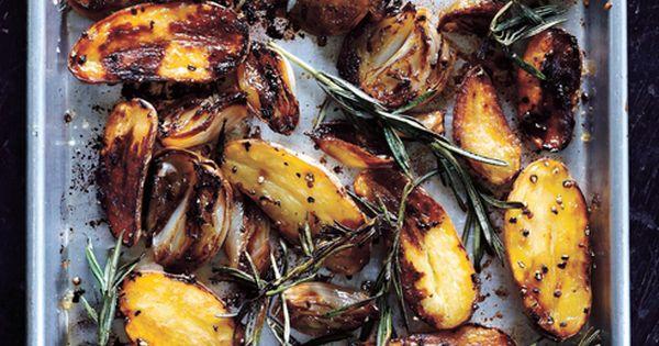 balsamic baked potatoes / Sweet Paul